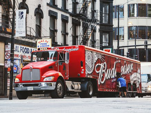 Trucking-is-cool_0003_pexels-photo-2676842